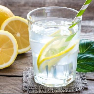 SM HEALTH: 5 reasons you should never ignore lemon water water